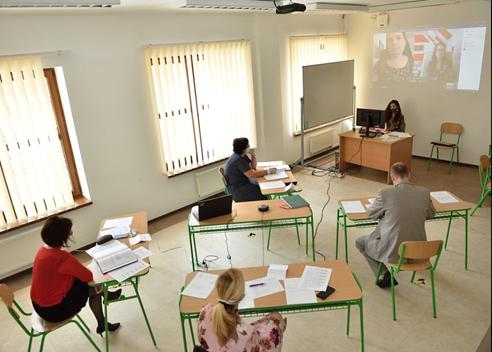 Priebeh online štátnic na Fakulte manažmetnu PU